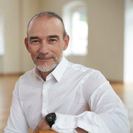 Dr. univ. med. Carlo Hasenöhrl - Plastischer Chirurg Innsbruck 6020
