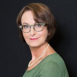 OÄ Dr. Klaudia Knerl - Plastische Chirurgin Linz 4020