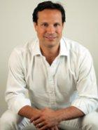 OA Dr. Peter Radakovits