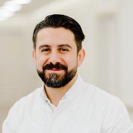 Dr. med. univ. Ali Saalabian - Plastischer Chirurg Wien 1010