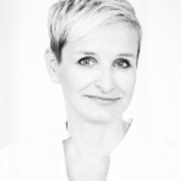 Dr. Claudia Gschnitzer - Plastische Chirurgin Wien 1090