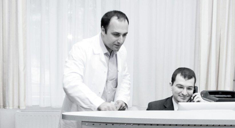 Prim. Assoc. Prof. PD. Dr. Kambiz Sarahrudi - Unfallchirurg Wien 1090