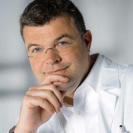 Assoz. Prof. Univ. Doz. Dr. med. Stefan Wolfsberger - Neurochirurg Wien 1170