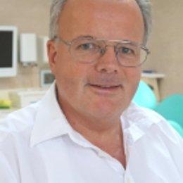 Dr. Johannes Kronberger - Zahnarzt Wien 1170