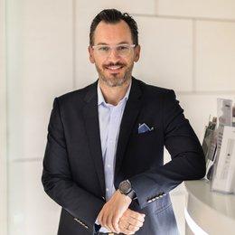 Univ.Doz. Dr. Georg Huemer - Plastischer Chirurg Linz 4020