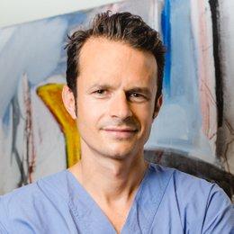 Priv.-Doz. Dr. Florian Ensat - Plastischer Chirurg Graz 8010