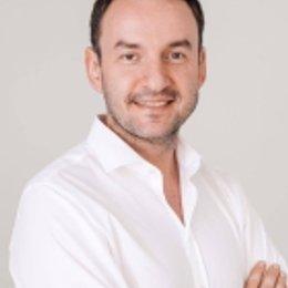 Dr. Igor Pona - Plastischer Chirurg Wien 1010