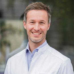 Dr. med. univ. Florian M. Domaszewski - Orthopäde Wien 1090