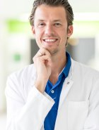 Dr.med.univ Lukas Klikovits